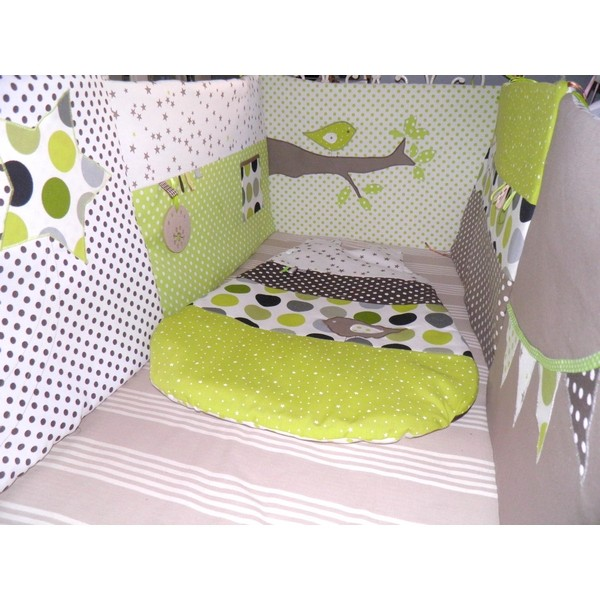 ensemble tour de lit gigoteuses sur mesure selon vos envies de couleurs pour la chambre de b b. Black Bedroom Furniture Sets. Home Design Ideas