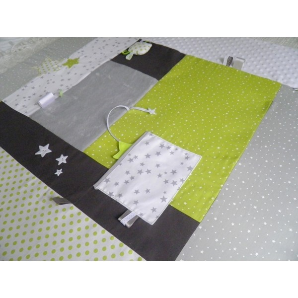 tapis d 39 veil sur mesure th me liberty toiles et pois pour d corer la chambre de b b avec. Black Bedroom Furniture Sets. Home Design Ideas