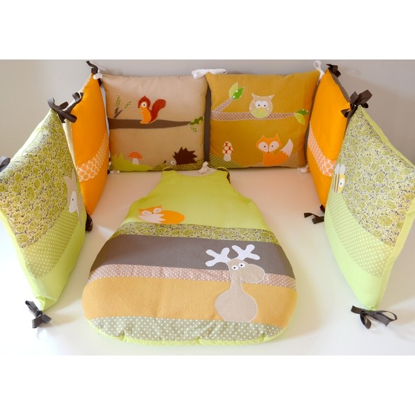 tour de lit gigoteuse bb animaux for t vert anis orange fleurs pois r alis s par une. Black Bedroom Furniture Sets. Home Design Ideas
