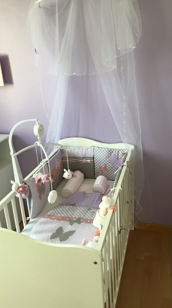 deco chambre bebe fille papillon interesting deco chambre bebe fille papillon avec d coration. Black Bedroom Furniture Sets. Home Design Ideas