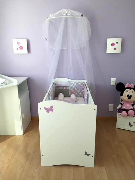 Tr s belle id e d co chambre b b fille sur le th me des for Decoration chambre de bebe fille